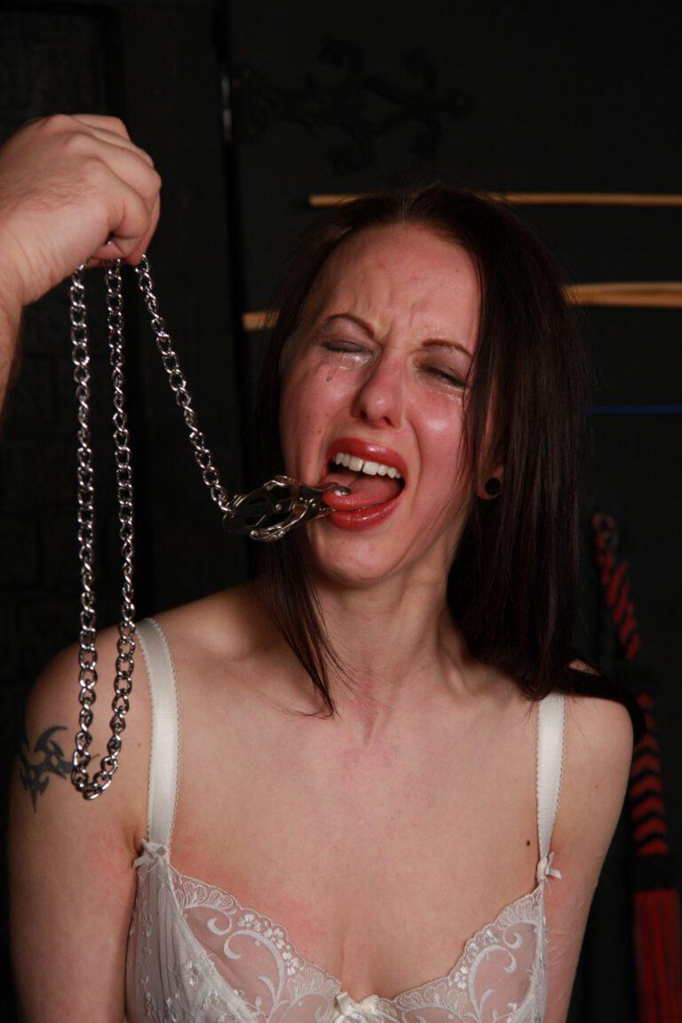 Facial Punishment and Bizarre Gyno